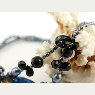 Open necklace - onyx and blue culture pearls, length 87 cm /9907-1