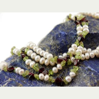 Open necklace - peridot, garnet and white culture pearls, length 106 cm /9508